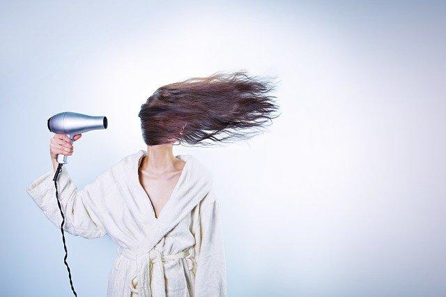 רוצה שיער מלא ועשיר? אבקת סיבי שיער היא הפתרון האידיאלי
